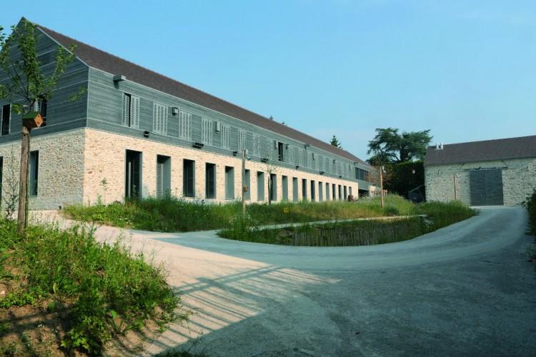 Maison du Parc à Milly-la-Forêt – Lauréat 2015 Catégorie bâti contemporain. Architecte : Joly&Loiret