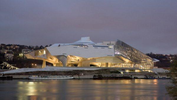 Incurie politique : l'architecte outragé, brisé, martyrisé