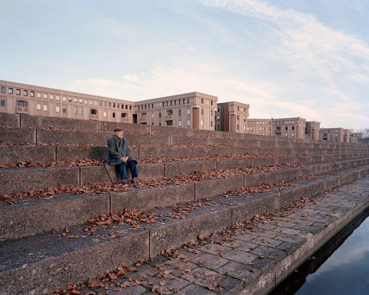 Roland, 85 ans, Les Arcades du Lac, Montigny-le-Bretonneux (2015) @ Laurent Kronental