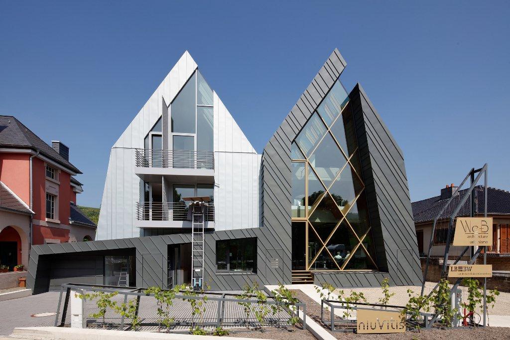 Au luxembourg l agence d archi est c t de la banque for Architecte luxembourg