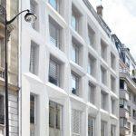 Une façade en Corian au 54 rue de Londres à Paris