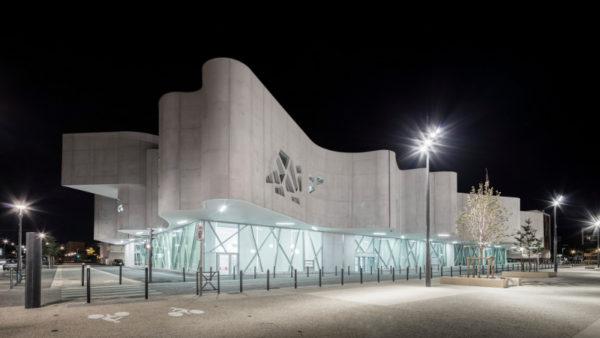 A Vitrolles, la médiathèque signe le renouveau du centre-ville