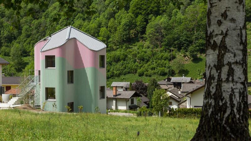 En Suisse, le chalet 2.0 de Daniel Buren
