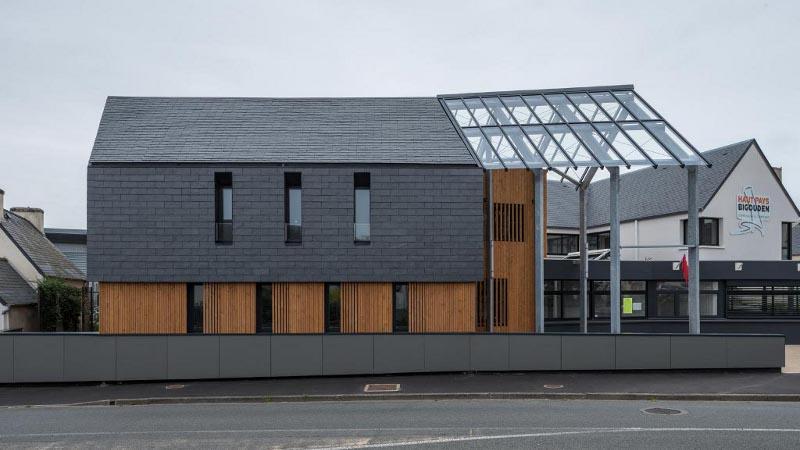 Maison des services du haut pays bigouden, par Brulé Architectes