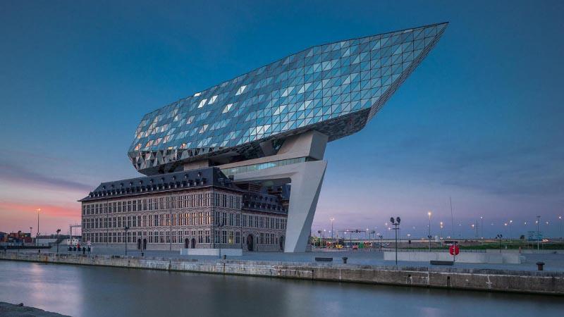 Ardoise naturelle pour la Maison du Port de Zaha Hadid Architects