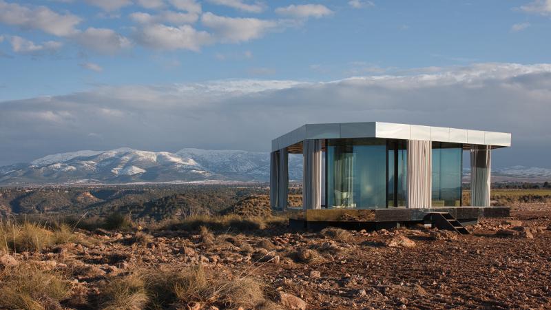 Une maison du désert, signée OFIS Architects, en parfaite harmonie avec la nature