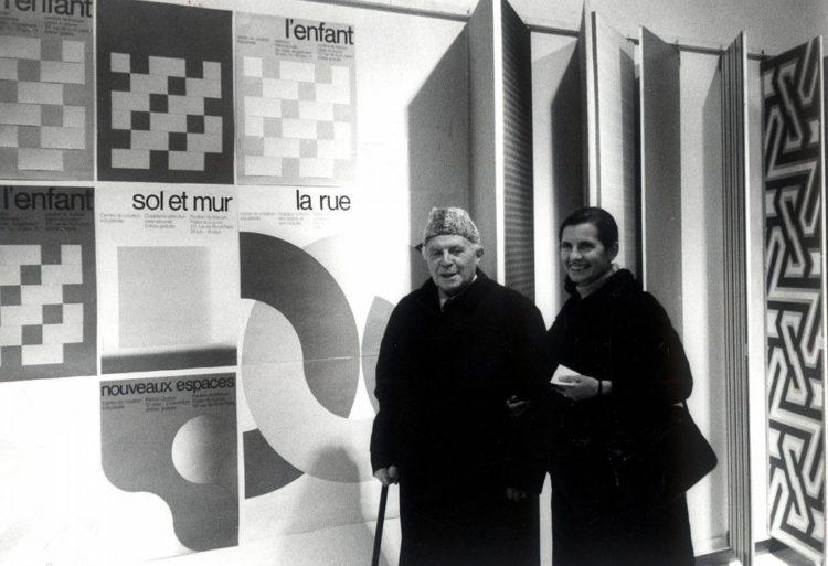 Gio Ponti et sa fille Lisa au Musée des Arts Décoratifs de Paris, 1973