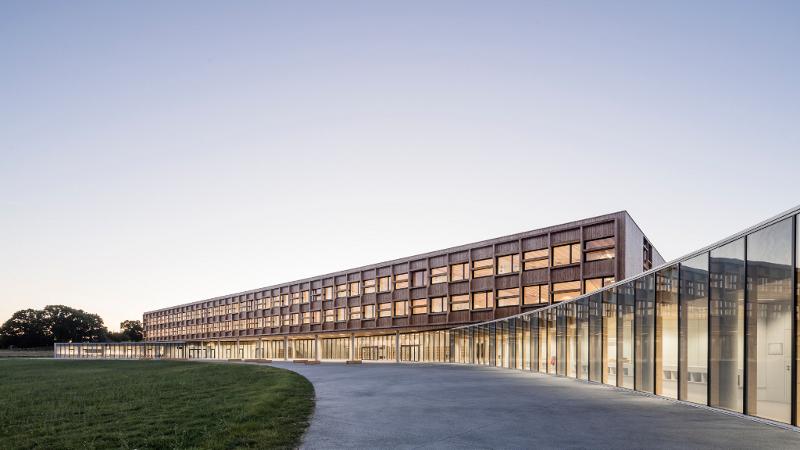 A Lamballe, le collège signé Dietrich - Untertrifaller ne laisse pas de bois