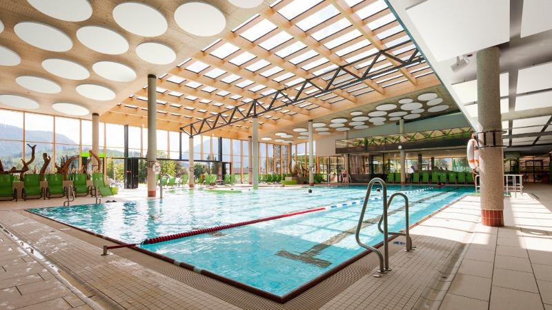 Un environnement idéal pour piscines avec les solutions acoustiques Ecophon