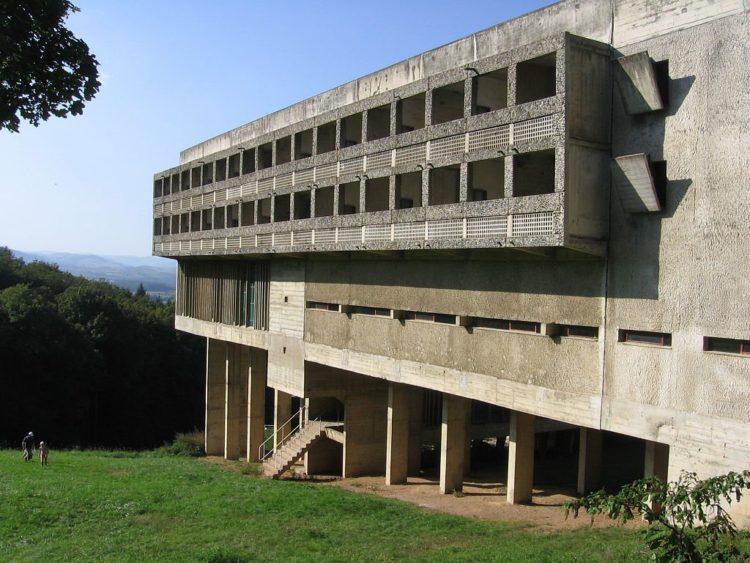 Le-Corbusier-Eveux-La-Tourette