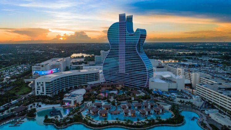 Float4 Hotel guitare