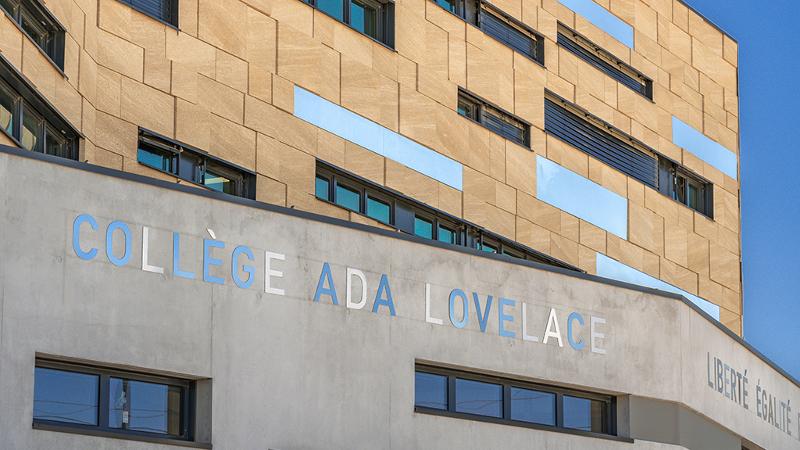 Collège Ada Lovelace à Nîmes, A+Architecture, bâtiment pionnier ?
