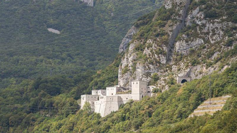 L'histoire du Fort l'Ecluse à Léaz réécrite par atelierpng