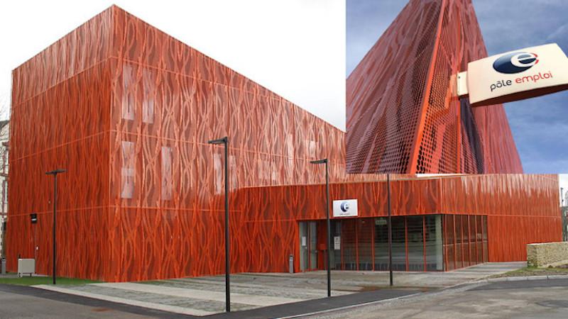 L'agence Pôle emploi de Laval, par LOOM Architecture : Red & Fire