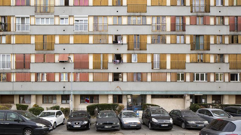 A Clichy-sous-Bois, gestion de l'attente par l'architecte Hélène Reinhard