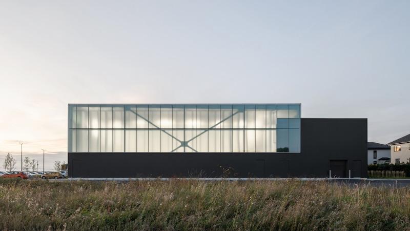 Un centre aquatique à Beloeil, Canada, signé Lemay