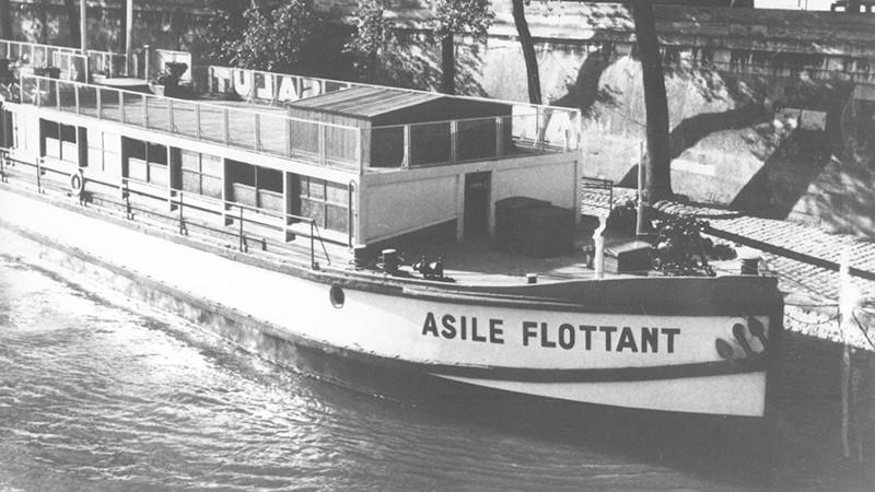 A Paris, l'Asile Flottant de Le Corbusier nec mergitur