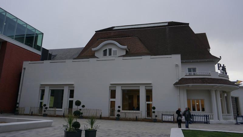 Le centre des congrès du Touquet changé à vue par Wilmotte et al