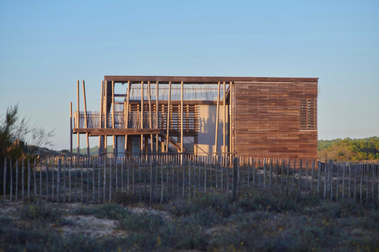 Maison à Contis-Plage (Christian Larroque architecte)