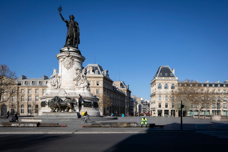 Place de la République, lundi 23 mars 16h30