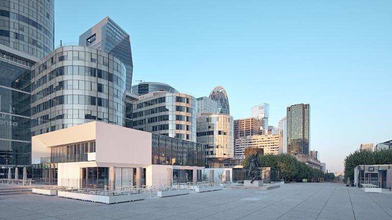 A Table Square avec Enia Architectes à Paris La Défense