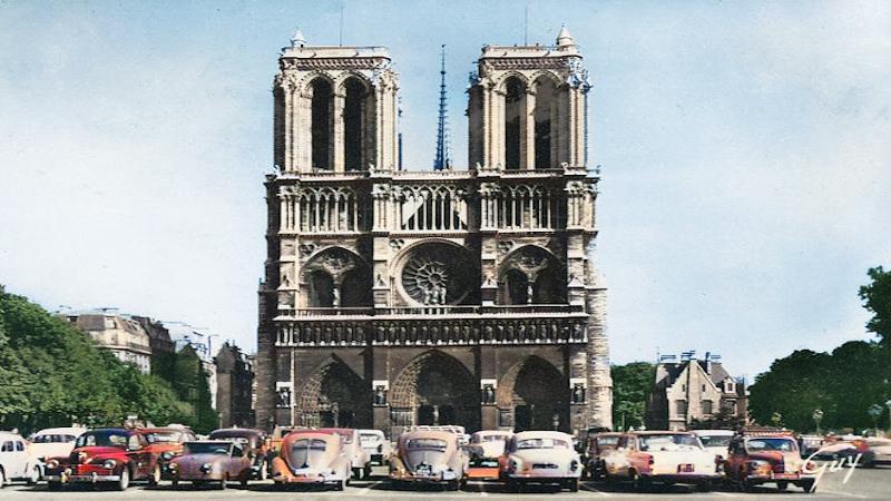Pour Paris, ville d'histoire, il faut une flèche