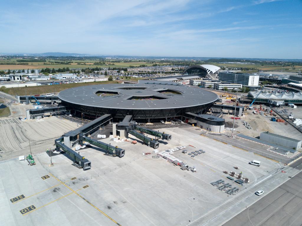 Terminal T1