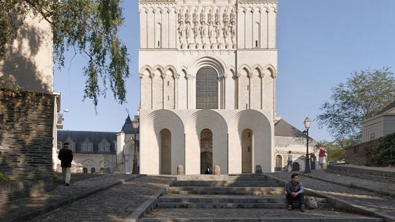 A Angers, l'union sacrée du Maire, de l'Evêque et du Malin ?