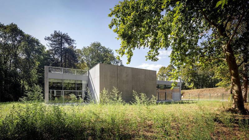 Salle de boxe à Savigny-le-Temple par Atelier Aconcept