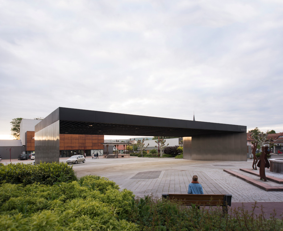 Divertir Halle RHB Architectes