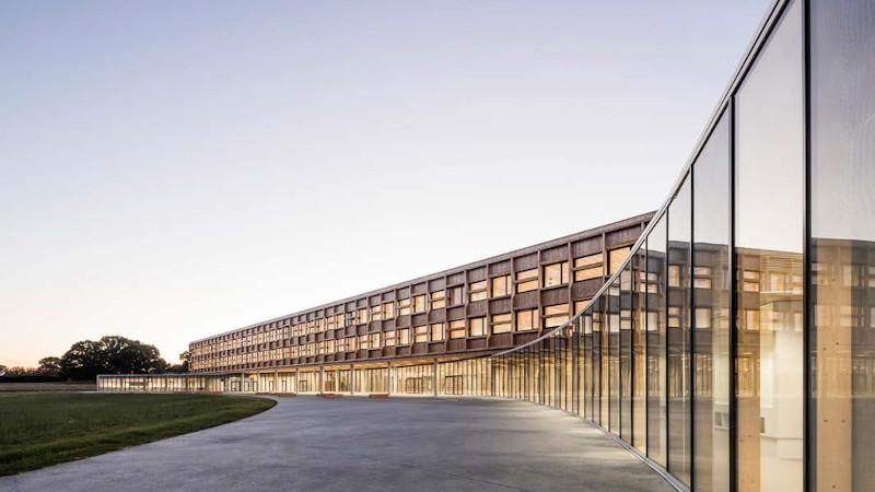 A Lamballe, le collège signé Colas Durand Architectes ne laisse pas de bois