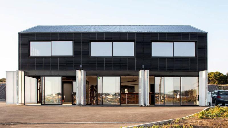 Dans le Morbihan, un bâtiment maritime bien iodé par Quartz Architecture