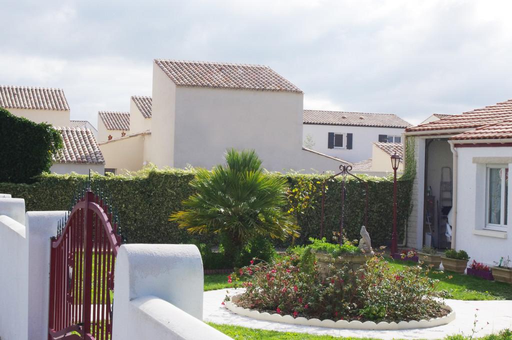 Sept maisons a patio FMAU