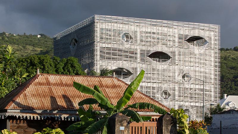 A Saint-Paul de La Réunion, Cimendef esclave d'Ubu ?