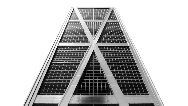 Les Towers of power de Paul Bogas