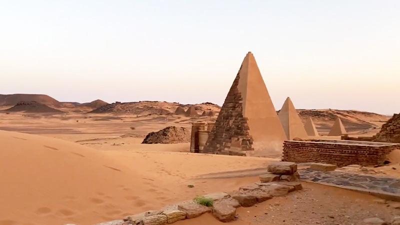 Les pyramides de Méroé, dernières reines de Nubie