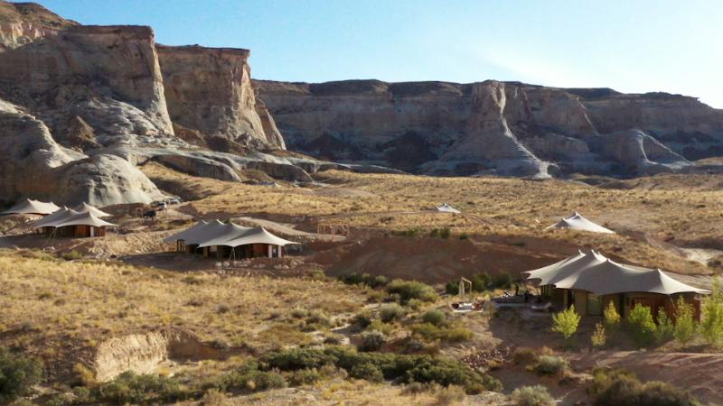 Dans l'Utah, imaginé par Luxury Frontiers, un camp de toile Serge Ferrari